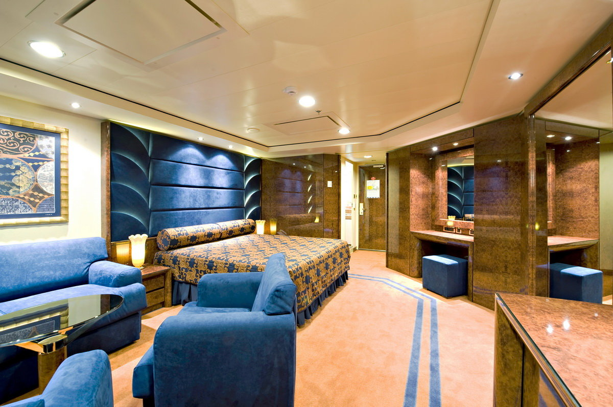 The 5 Most Estravagant Cruise Ships | BOATERexam.com®